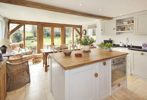 How to Create the Perfect Country Kitchen – Homes to Inspire